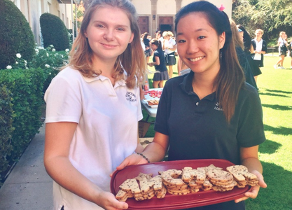 Students Discover New Clubs at Club Fair 2015