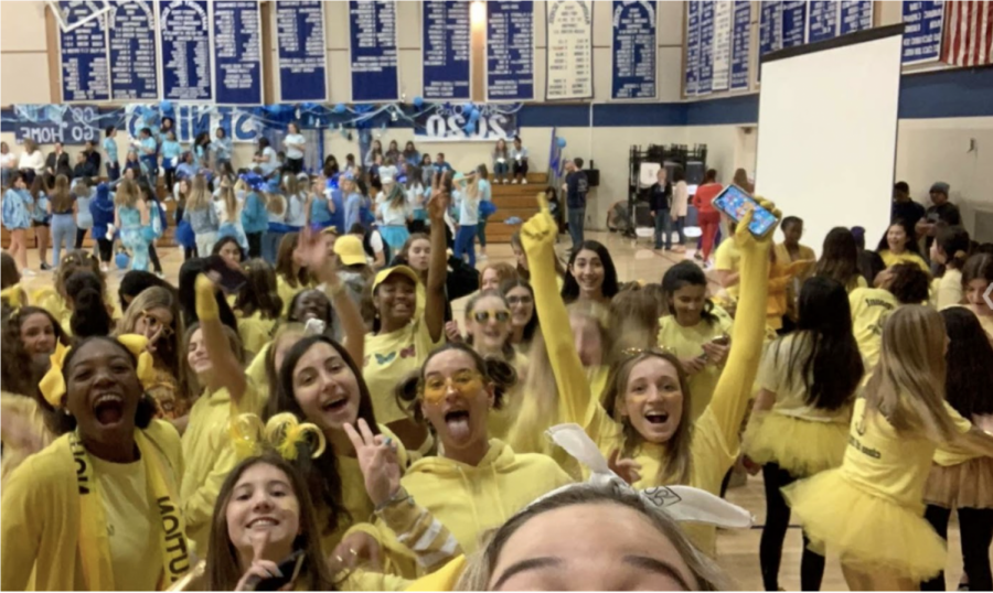 The freshmen class of 2023 during Spirit Week last year parading their school spirit with their class color of yellow! (Photo courtesy of Melina Angeledes)